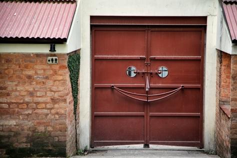 Door in the Garden of Dreams. © Luke Mislinski